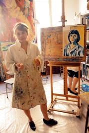 Agnes Jonasson i ateljen