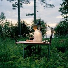 Bild: Petter Dahlström Persson, Skrivbord i skog
